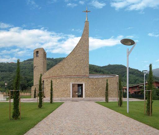 Satanistyczna świątynia w Padergnone (Brescia)