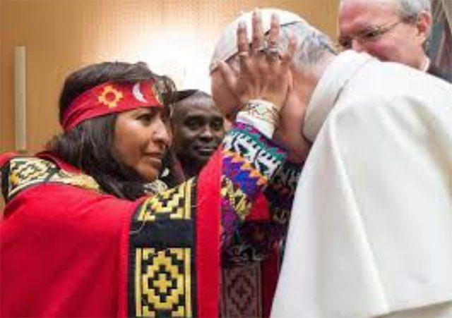 Antypapież Franciszek u wiedźmy