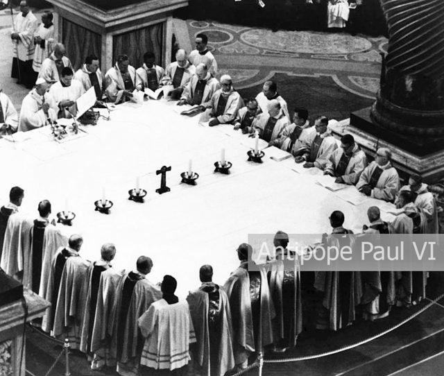 Antypapież Paweł VI odprawia Nowotwór mszy